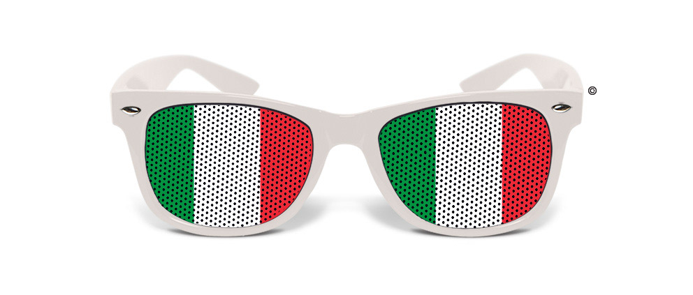 Humoristiset valkoiset aurinkolasit Italian lipun väreissä 0cbc2453dc
