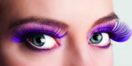 Pitkät violetit tekoripset aikuiselle