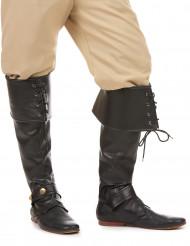 Aikuisten mustat tekonahkaiset saappaanvarret nauhoilla ja remmeillä