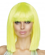 Keskipitkät neonkeltaiset hiukset otsatukalla