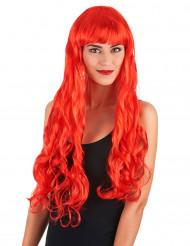 Punainen peruukki otsatukalla festareihiin