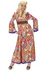 Pitkä hippinaisen mekko