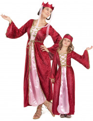 Keskiaikaisen kuningattaren pariasu äidille ja tytölle
