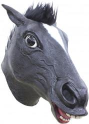 Aikuisten lateksinaamari mustalla hevosenpäällä
