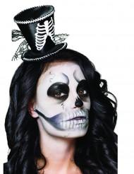 Minihattu luuranko yksityiskohdalla Halloweenjuhliin