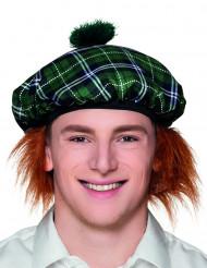 Aikuisten skotlantilaistyylinen baskeri punaisilla hiuksilla