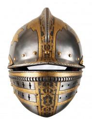Pahvinaamari keskiaikainen kypärä