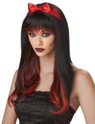 Pitkä punamusta peruukki