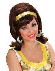 Ruskea 60-luvun peruukki keltaisella hiuspannalla naiselle