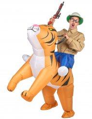 Tiikerillä ratsastaja -naamiaisasu aikuiselle