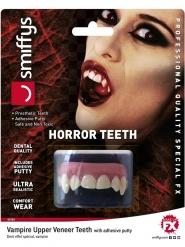 Vampyyrin todella realistiset hampaat aikuiselle