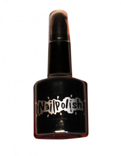 Musta kynsilakka ja huulipuna