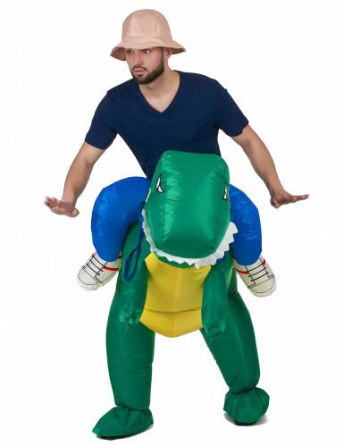 Dinosauruksella ratsastava tutkija - Aikuisten naamiaisasu-1