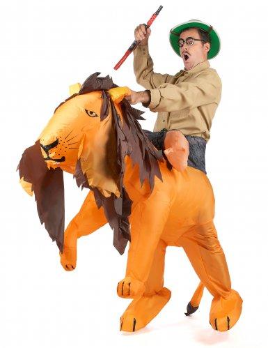 Leijonankesyttäjä carry me -naamiaispuku aikuisille