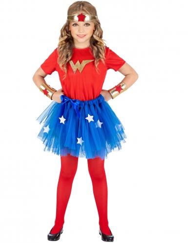 Supersankariasu tytölle