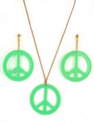 Vihreät hippikorvakorut ja riipus