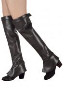 Mustat kengäpäälliset